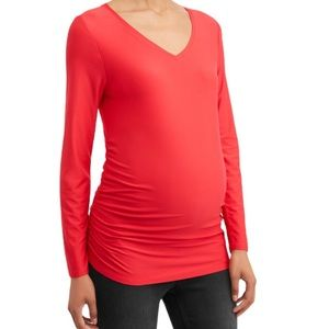 NWT MATERNITY V-NECK T-SHIRT RED TIME AND TRU